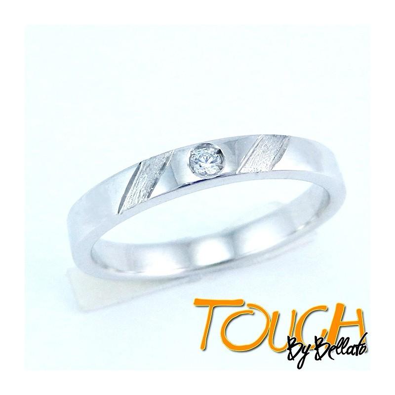 Fedina fidanzamento in argento con brillante c.z e righe sabbiate