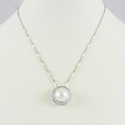 Collana donna in oro bianco con ciondolo diamanti contorno e perla bianca