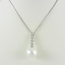 Collana donna in oro bianco con ciondolo diamanti e perla bianca